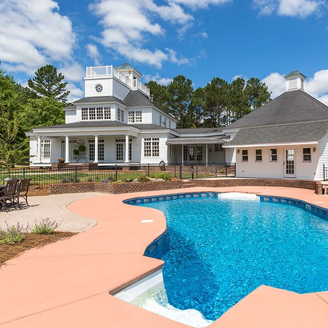 farm house with backyard pool and pool house - Finnigan's Run Farm
